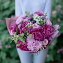 Букет с пионами, хризантемой и розами заказать