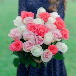 Букет из 25 роз нежный микс (Эквадор)