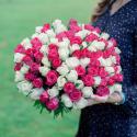 Букет из 101 белой и розовой розы 40 см (Кения)