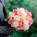 Букет из 19 роз нежный микс (Россия)