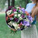 Букет с орхидеей, брассикой и альстромерией с доставкой