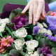 Букет с орхидеей, брассикой и альстромерией