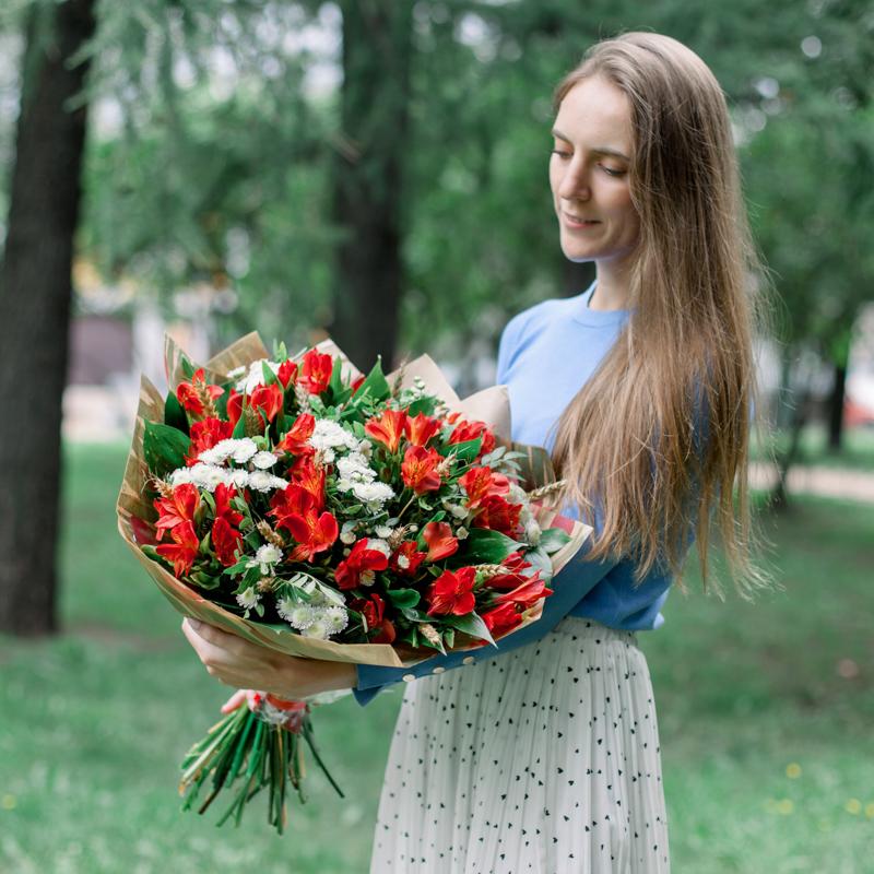 Букет с гортензией, орхидеей и хризантемой с доставкой