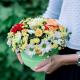 Коробка с хризантемами, розой и герберами