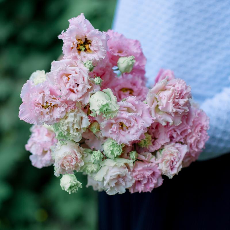 Букет из 9 розовых лизиантусов с доставкой