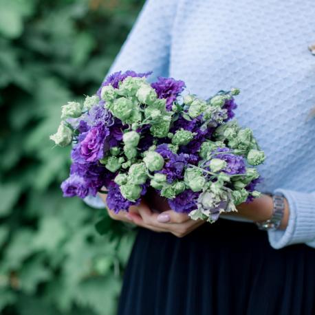 Букет из 9 фиолетовых лизиантусов