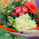 Букет с кустовой розой, герберой и хризантемами