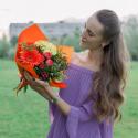 Букет с кустовой розой, герберой и хризантемами заказать