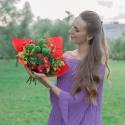 Букет с кустовыми розами и кустовой хризантемой заказать