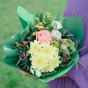 Букет с хризантемой, розой, альстромериями и орхидеей с доставкой