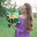 Букет с хризантемой, розой, альстромериями и орхидеей заказать