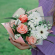 Букет с белыми герберами, розами и лизиантусом
