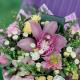 Букет мини с гвоздиками и розовой орхидеей
