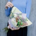 Букет с розами, герберами и эвкалиптом с доставкой