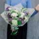Букет с гвоздиками, лизиантусом и розами