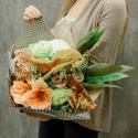 Букет с антуриумом, амариллисом, хризантемой и розой с доставкой