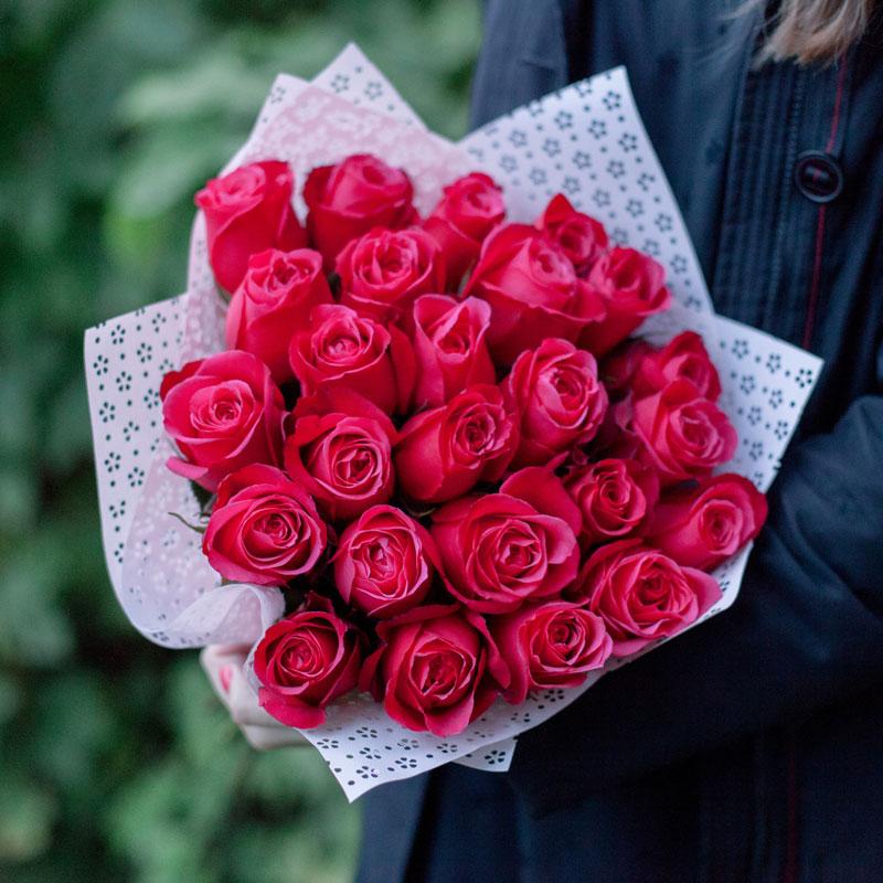 Букет из 25 роз Cherry (Эквадор) с доставкой