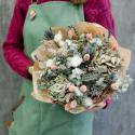 Букет из сухоцветов с эвкалиптом и эрингиумом купить