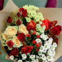 Букет с кустовой розой и кустовой хризантемой заказать