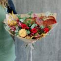 Букет с пионовидными розами, орхидеями и антуриумом с доставкой