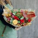 Букет с пионовидными розами, орхидеями и антуриумом купить