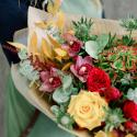 Букет с пионовидными розами, орхидеями и антуриумом заказать