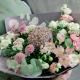 Букет с альстромериями, хризантемами и аллиумом