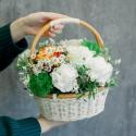 Корзинка с розами и гвоздиками с доставкой