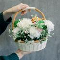 Корзинка с розами и гвоздиками купить