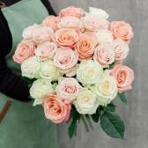 Букет из 25 роз нежный микс (Эквадор) 60см