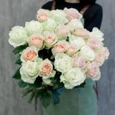 Букет из 25 роз нежный микс (Эквадор) заказать