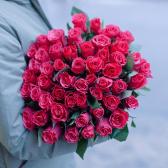 Букет из 51 малиновой розы 40см (Кения)