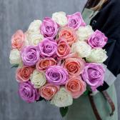 Букет из 25 роз яркий микс (Эквадор) с доставкой
