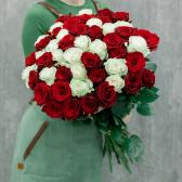 """Букет """"51 красная и белая роза"""" купить"""