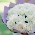 Букет из 25 белых роз (Россия) 60см