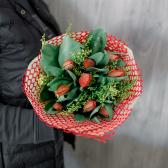 Букет из 9 роз и зелени (Россия) с доставкой