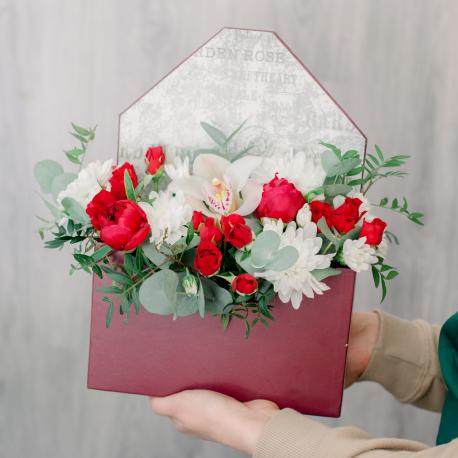 Конвертик с орхидеей и хризантемой