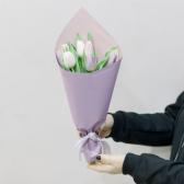 7 тюльпанов в упаковке (нежный микс) с доставкой