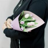 7 тюльпанов в упаковке (нежный микс) купить