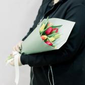 9 тюльпанов в упаковке (яркий микс) купить