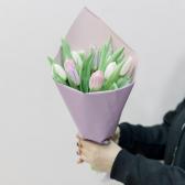 9 тюльпанов в упаковке (нежный микс) с доставкой