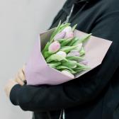 9 тюльпанов в упаковке (нежный микс) купить