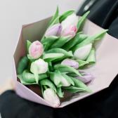 9 тюльпанов в упаковке (нежный микс) заказать
