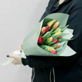 15 тюльпанов в упаковке (яркий микс) купить