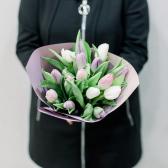 15 тюльпанов в упаковке (нежный микс) заказать