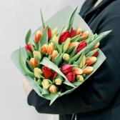 35 тюльпанов в упаковке (яркий микс) купить