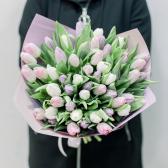 51 тюльпан с упаковкой (нежный микс) заказать