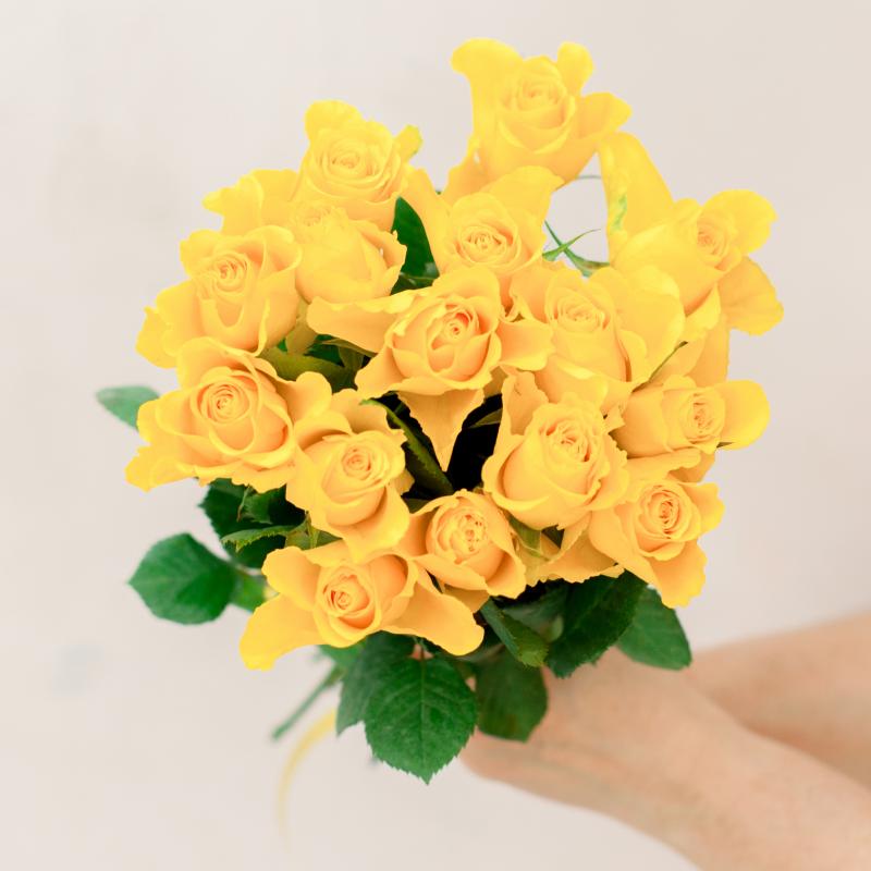 Букет из 15 желтых роз (Кения) с доставкой