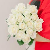 Букет из 15 белых роз (Россия) заказать