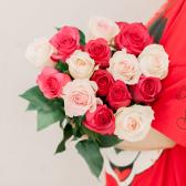 Букет из 15 роз микс (Эквадор) заказать